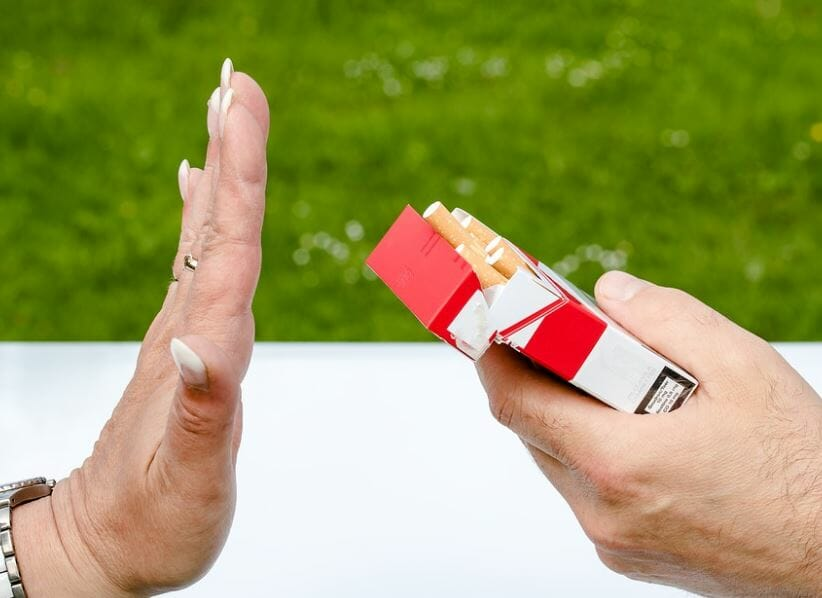 hand stop to smoking