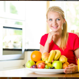 woman with healthy fruits
